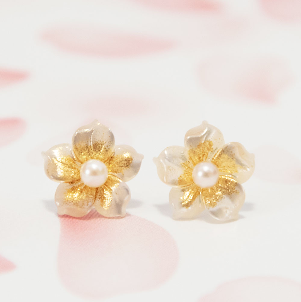 新商品 花と真珠のピアス